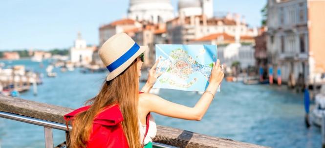 Voyager seul : jeune fille voyageant seule à Venise