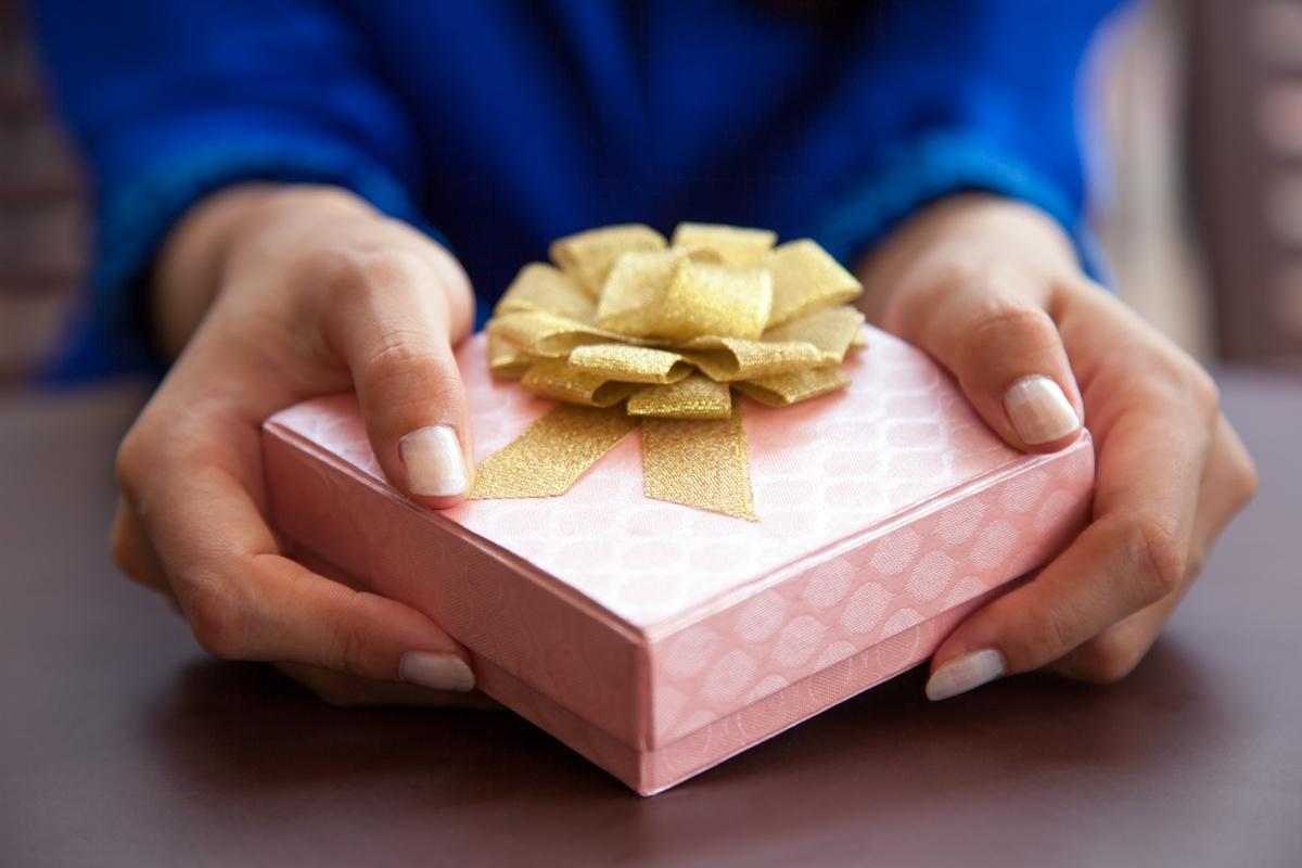 vivre en Chine : offrir un cadeau à un collègue chinois